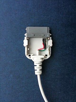 ダイソーで見つけた税抜き100円のiPod用充電ケーブル