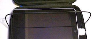 加工した「頑固自在」のワイヤーを、適当な位置でケースと一体化